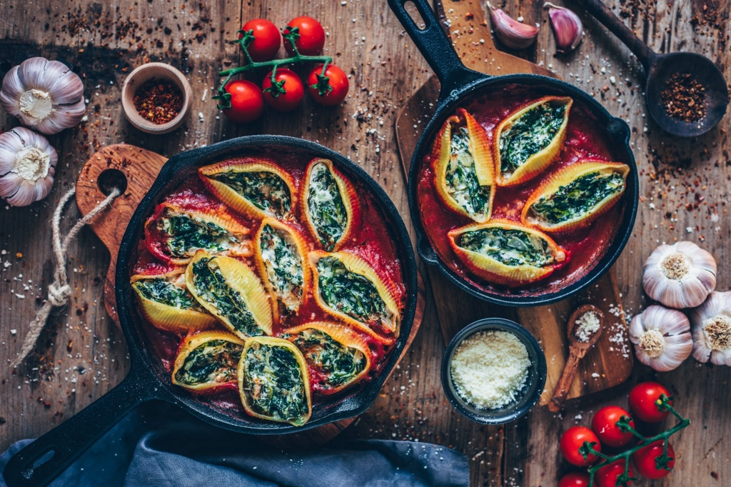 vegan-stuffed-shells-with-spinach-cream-healthy-recipe-1.jpg
